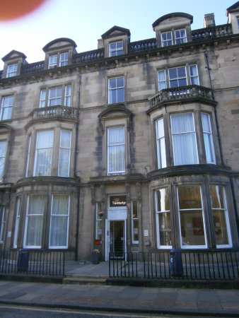 Exterior del hotel picture of travelodge edinburgh for 2 learmonth terrace edinburgh