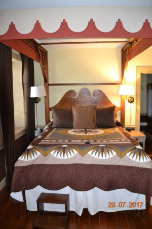 Historic Smithton Inn: Chocolate Room