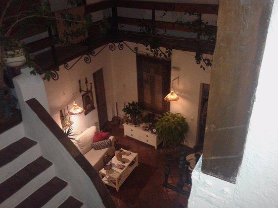 La Casa de Bovedas: Patio cubierto / recepción