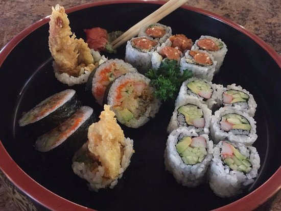 Selkirk, Canadá: Dynamite Roll, Spicy Shrimp Roll, California Roll (mine)