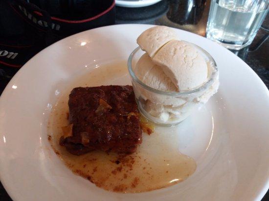 Greens Cafe & Bistro : Vegan Sticky Toffee Pudding & Soya Icecream