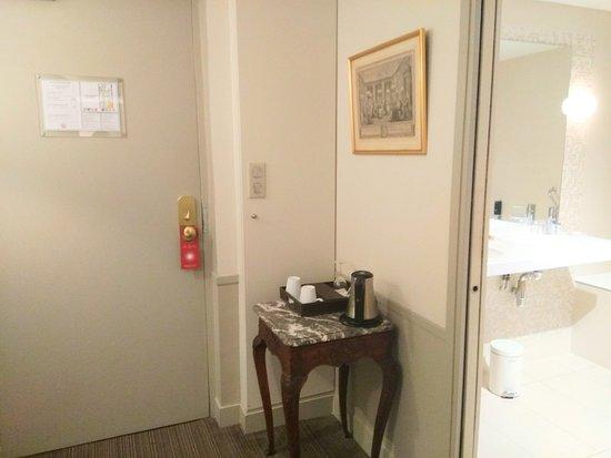 Hotel des Saints-Peres - Esprit de France: room 300