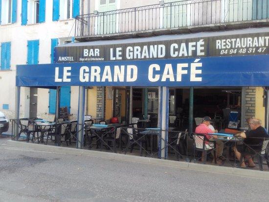 Puget-Ville, France: un café familial et convivial