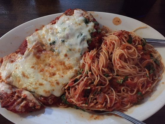 Rosa's Pizzeria: chicken and angle hair spaghetti