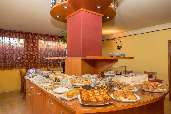 Hotel La Villa: Buffet della colazione