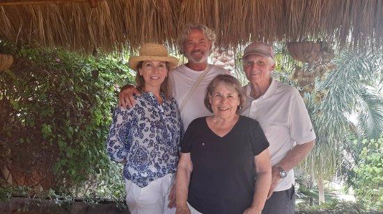 Ola Brisa Gardens : 07 20 17 Cynthia and Harlond Hauck -  Julie and Julian Ashton