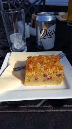 Helvellyn Country Kitchen: Best raspberry and almond slice ever tasted
