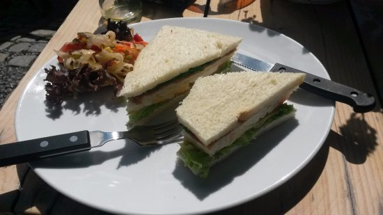 Roden, Países Bajos: Our disappointing club sandwich.....