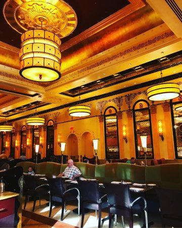 Best Restaurants In Las Vegas To Celebrate Birthday