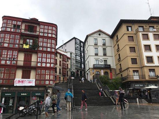 Direcciones a Plaza Unamuno (Bilbao) en transporte público