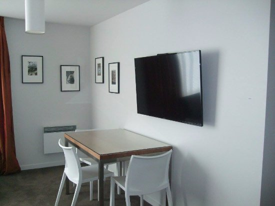 Apollo Lodge Motel : Large TV in new rooms with Sky Select