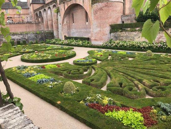 Picture of les jardins de la berbie albi for Le jardin des quatre saisons albi