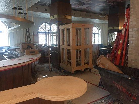 Hotel Bijou: Hotel dont le loby est en chantier  Nous aurions aimé être informé arrivant en pleine nuit après