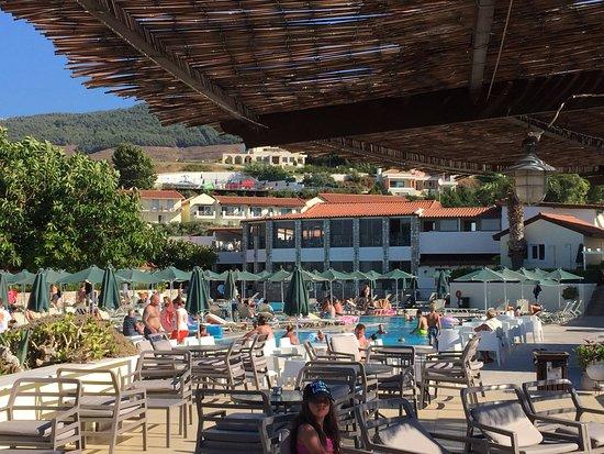 Terras bij de poolbar grote zwembad picture of aegean view aqua