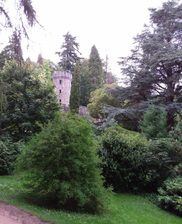 County Dublin, Ireland: Powerscourt garden....la torre