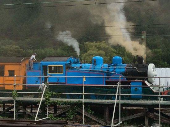 Shizuoka Prefecture, Japan: 千頭駅から出発するトーマス号!