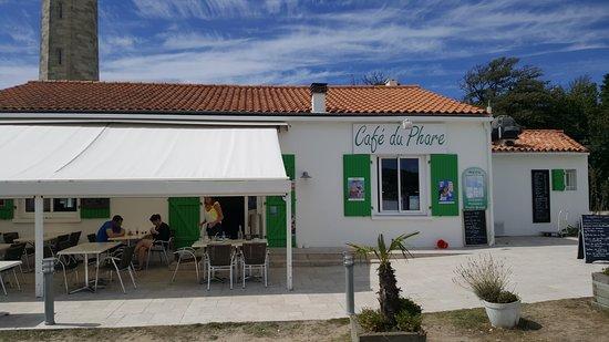 Le cafe du phare saint clement des baleines restaurant - Office du tourisme saint clement des baleines ...