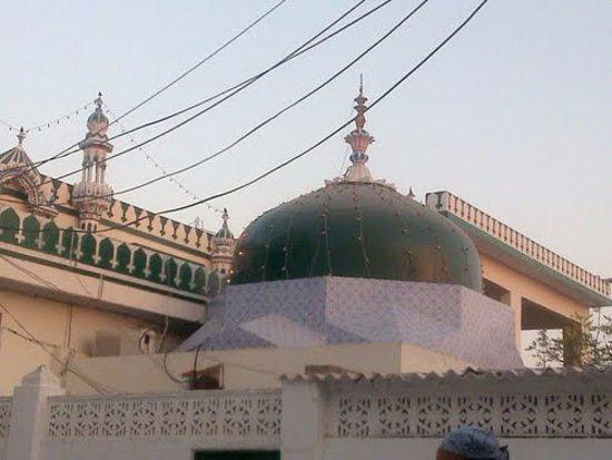 Thatta, Pakistan:  Mazar Makhdoom Muhammed Hashim Thattvi