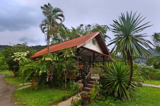 Khao Sok Riverfront Resort