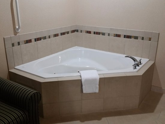 Springfield, OR: Jacuzzi Tub