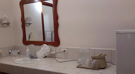 SunBreeze Hotel: Cuenta con heladera, pero lleven jabón si no se sienten cómodos con el líquido