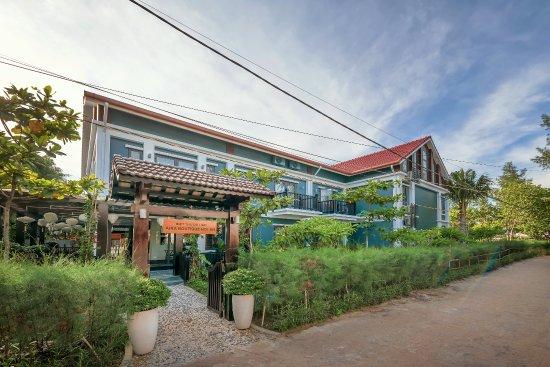 Aira Boutique Hoi An Hotel & Villa Photo