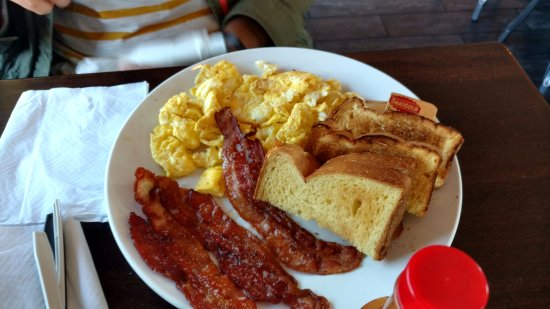 San Mateo, Californien: american breakfast