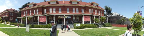 Walt Disney Family Museum : buliding to big to take in one shot had to use panorama
