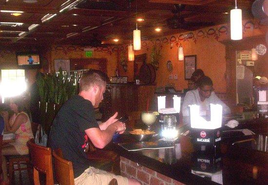 La Parrilla Mexican Restaurant : Cozy Bar