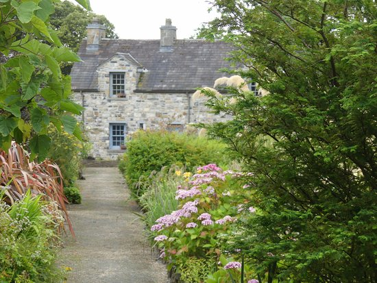 Gardeners Cottage - walled garden - Picture of Lissadell House ...