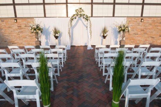 Earth City, MO: Wedding