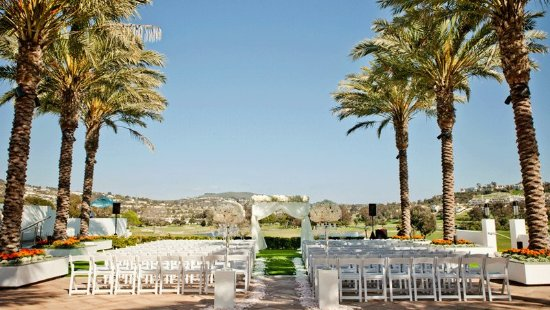 Omni La Costa Resort & Spa: Wedding Ceremony at Valley Promenade