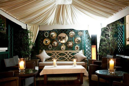 Dukes Hotel : Cigar And Cognac Garden
