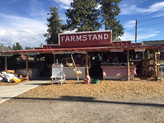 Sisters, OR: Looks like a legit farmstand to me