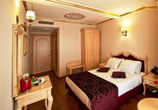 Amiral Palace Hotel: Economy Double Room Ground Flo