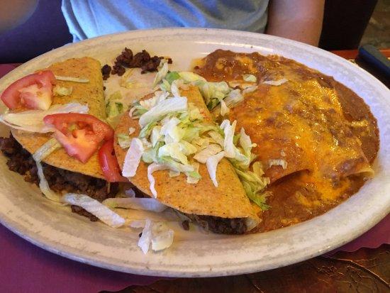 Henry's: 2 Tacos 2 Enchiladas