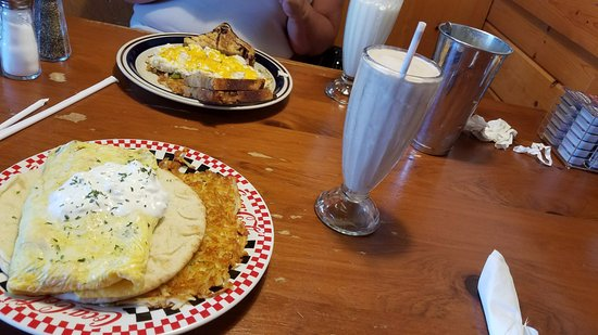 New Richmond, WI: breakfast for dinner