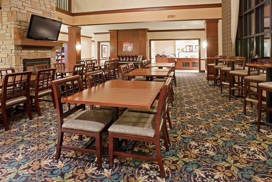 Oconomowoc, WI: Guest Dining Lounge