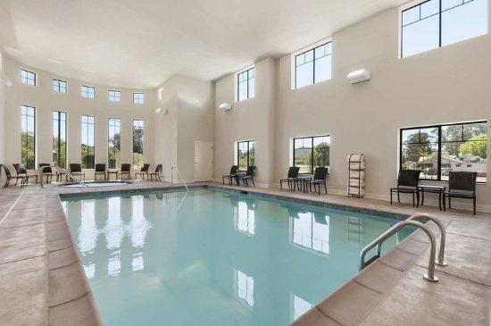 Hampton Inn & Suites- San Luis Obispo: Indoor Pool