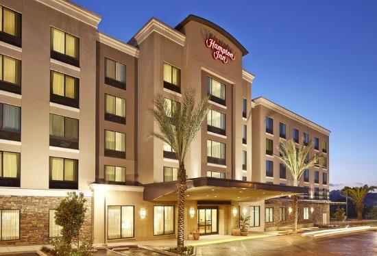 Hampton Inn San Diego/Mission Valley: Signature Exterior Image