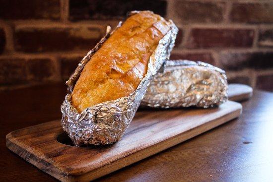 Nerang, Australia: Garlic Bread