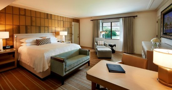 Arizona Biltmore, A Waldorf Astoria Resort: Classic Room - Bedroom