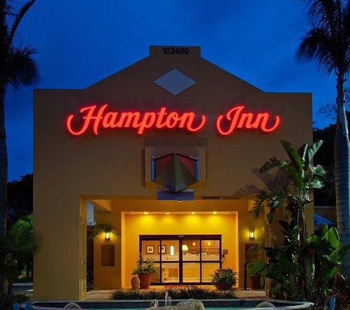 Hampton Inn Key Largo: Hotel Exterior