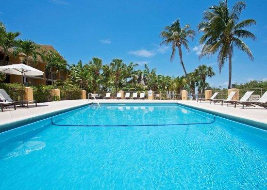 Hampton Inn Key Largo: Outdoor Pool