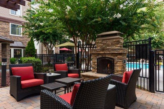 Staybridge suites atlanta perimeter center east for Hilton hotels near mercedes benz stadium atlanta