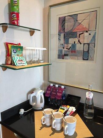 Caravelle Saigon: amenities tea & coffee & water