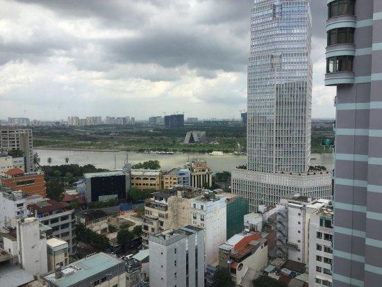 Caravelle Saigon: view to the river