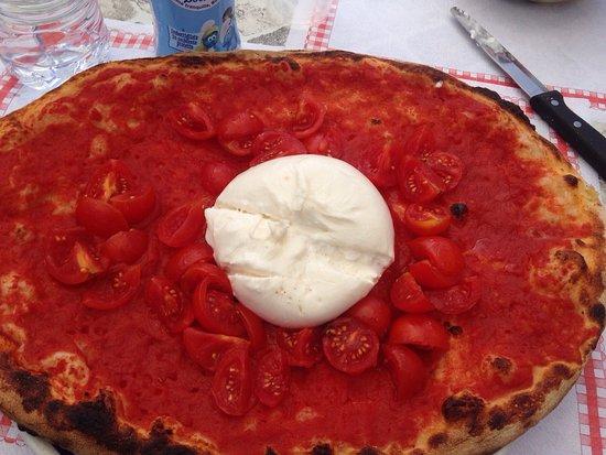 Il Laghetto : Pizza con burrata