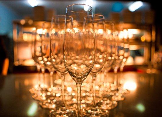 Dixons Creek, Australia: Mandala Wines glasses