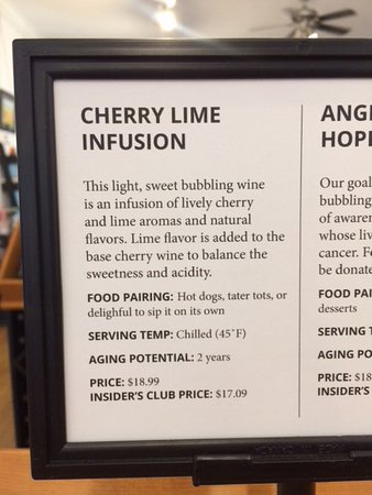 August Hill Winery & Illinois Sparkling Co. Tasting Room: This food pairing?!